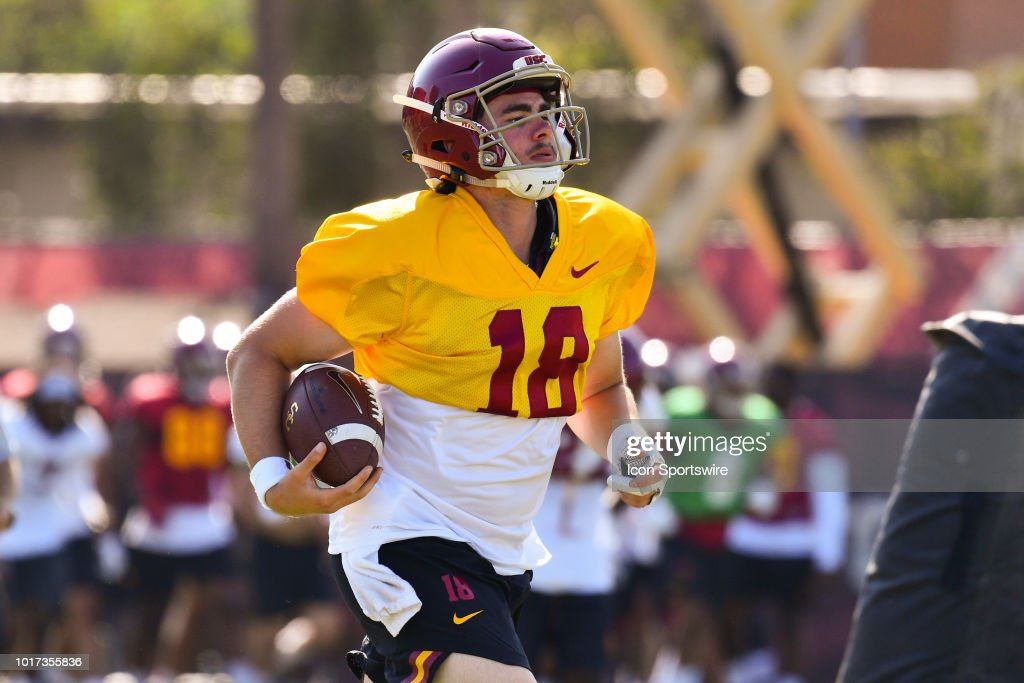 Usc Jt Daniels Runs Up Field During A Usc Trojans Football