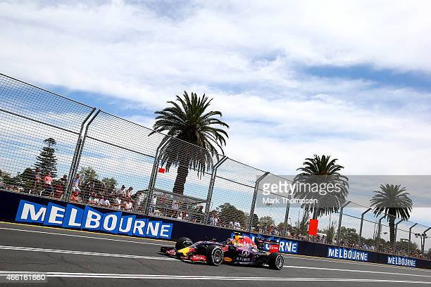 Daniil Kvyat of Russia and Infiniti Red Bull Racing drives during final practice for the Australian Formula One Grand Prix at Albert Park on March...