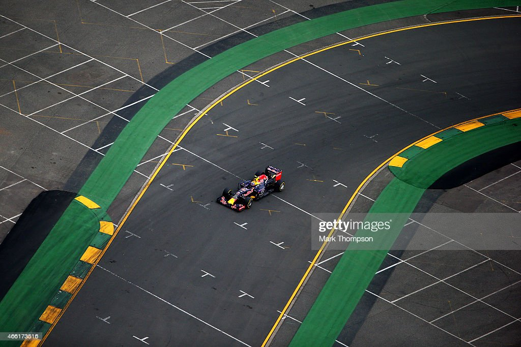 Daniil Kvyat of Russia and Infiniti Red Bull Racing drives during qualifying for the Australian Formula One Grand Prix at Albert Park on March 14, 2015 in Melbourne, Australia.