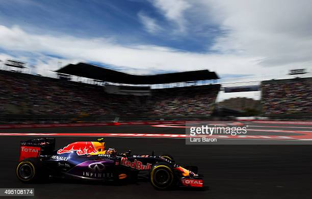 Daniil Kvyat of Russia and Infiniti Red Bull Racing drives during final practice for the Formula One Grand Prix of Mexico at Autodromo Hermanos...