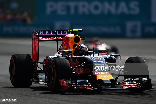 Daniil Kvyat of Russia and Infiniti Red Bull Racing drives during the Formula One Grand Prix of Mexico at Autodromo Hermanos Rodriguez on November 1...