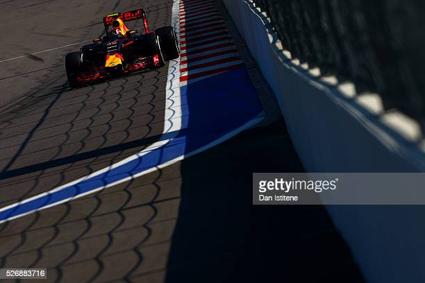 Daniil Kvyat of Russia drives the 6 Red Bull Racing Red BullTAG Heuer RB12 TAG Heuer during the Formula One Grand Prix of Russia at Sochi Autodrom on...