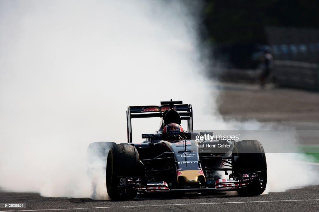 Daniil Kvyat, Toro Rosso-Ferrari STR11, Grand Prix of Italy, Autodromo Nazionale Monza, 04 September 2016. Daniil Kviat locks his wheels right before entering the speed limited pit lane during the 2016 Italian Grand Prix.