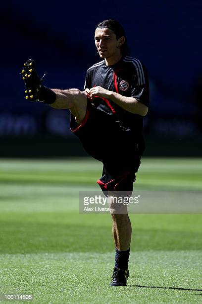 Danijel Pranjic warms up during the Bayern Munich training session prior to the UEFA Champions League Final match versus Inter Milan at the Estadio...