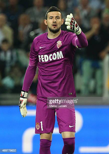 Danijel Subasic of AS Monaco FC looks on during the UEFA Champions League Quarter Final First Leg match between Juventus and AS Monaco FC at Juventus...