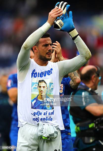 Danijel Subasic of Croatia applauds the supporters after his team's 10 win in the UEFA EURO 2016 Group D match between Turkey and Croatia at Parc des...