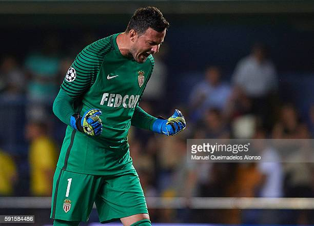 Danijel Subasic of Monaco celebrates at the end during the UEFA Champions League playoff first leg match between Villarreal CF and AS Monaco at El...