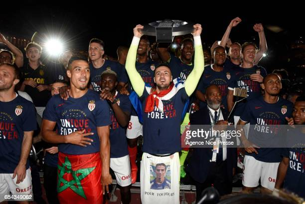 Danijel Subasic of Monaco celebrates winning the Ligue 1 title during the Ligue 1 match between As Monaco and AS Saint Etienne at Stade Louis II on...
