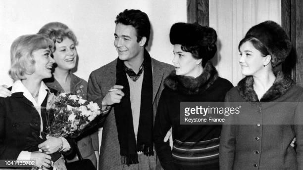 Danièle Delorme Alla Larionova Jacques Charrier Elina Bystritskaya et Jeanne Prohorenko visitent les studios soviétiques lors du festival du film...