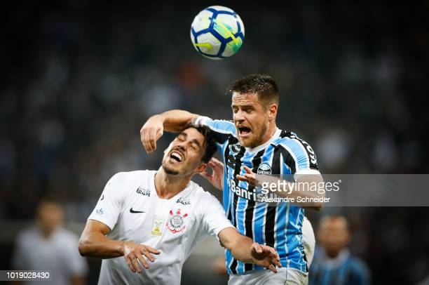 Danilo Avelar of Corinthians and Ramiro of Gremio in action during the match for the Brasileirao Series A 2018 at Arena Corinthians Stadium on August...