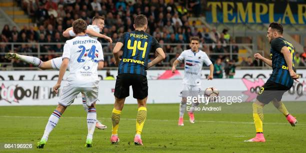 Danilo D Ambrosio of FC Internazionale Milano scores the opening goal during the Serie A match between FC Internazionale and UC Sampdoria at Stadio...