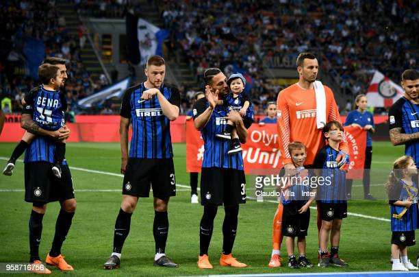 Danilo D'Ambrosio and Samir Handanovic of FC Internazionale during the serie A match between FC Internazionale and US Sassuolo at Stadio Giuseppe...