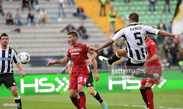 Danilo Larangeira of Udinese scores his opening goal during the Serie A match between Udinese Calcio and Cagliari Calcio at Stadio Friuli on October...