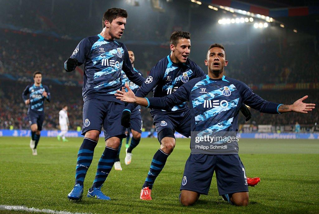 FC Basel 1893 v FC Porto - UEFA Champions League : News Photo