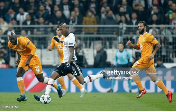 Danilo Pereira of FC Porto Anderson Talisca of Besiktas during the UEFA Champions League match between Besiktas v FC Porto at the Vodafone Park on...
