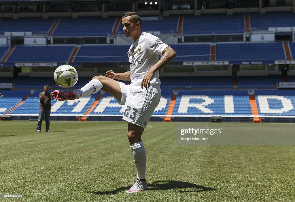 Real Madrid Officially Present New Signing Danilo : News Photo