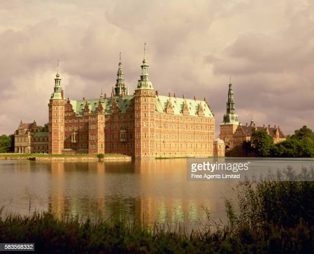 danish castle - hillerod stock pictures, royalty-free photos & images