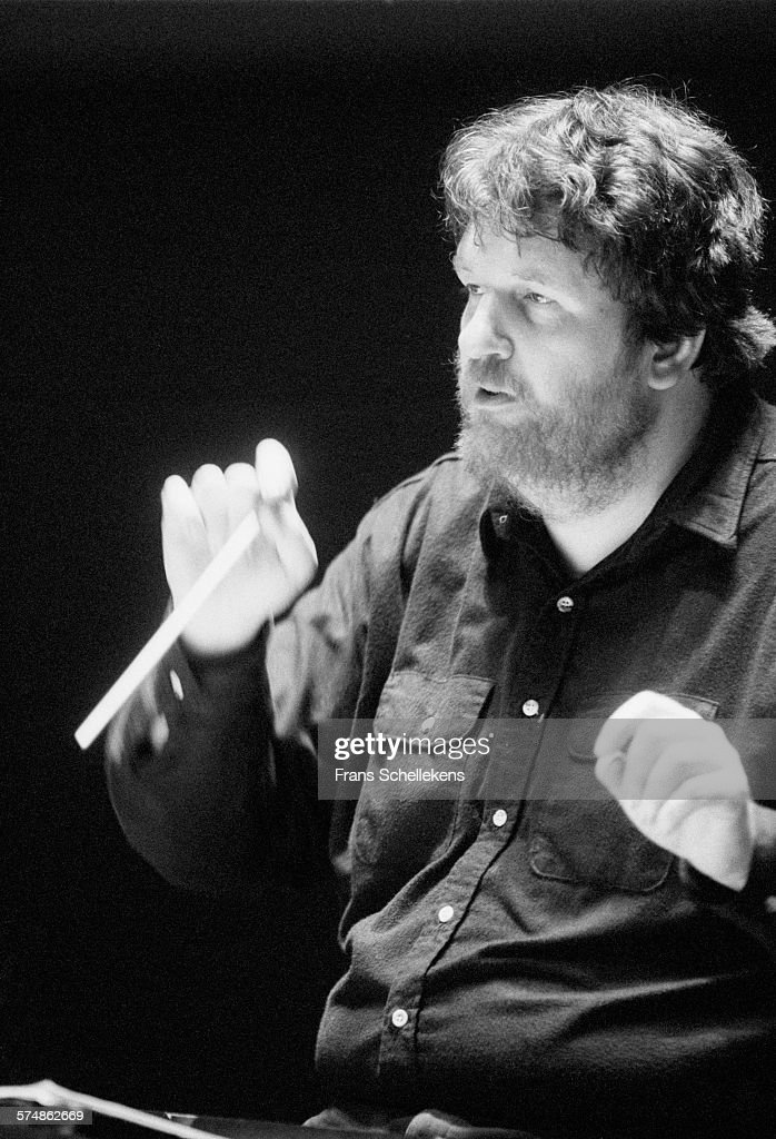 danish-conductor-oliver-knussen-on-march-25th-1994-at-the-a-in-the-picture-id574862669?k=6&m=574862669&s=612x612&w=0&h=6tAC-kJjF3f3UruVbQmgXIjaqR_aIUEWiZOSZW3ZhME=