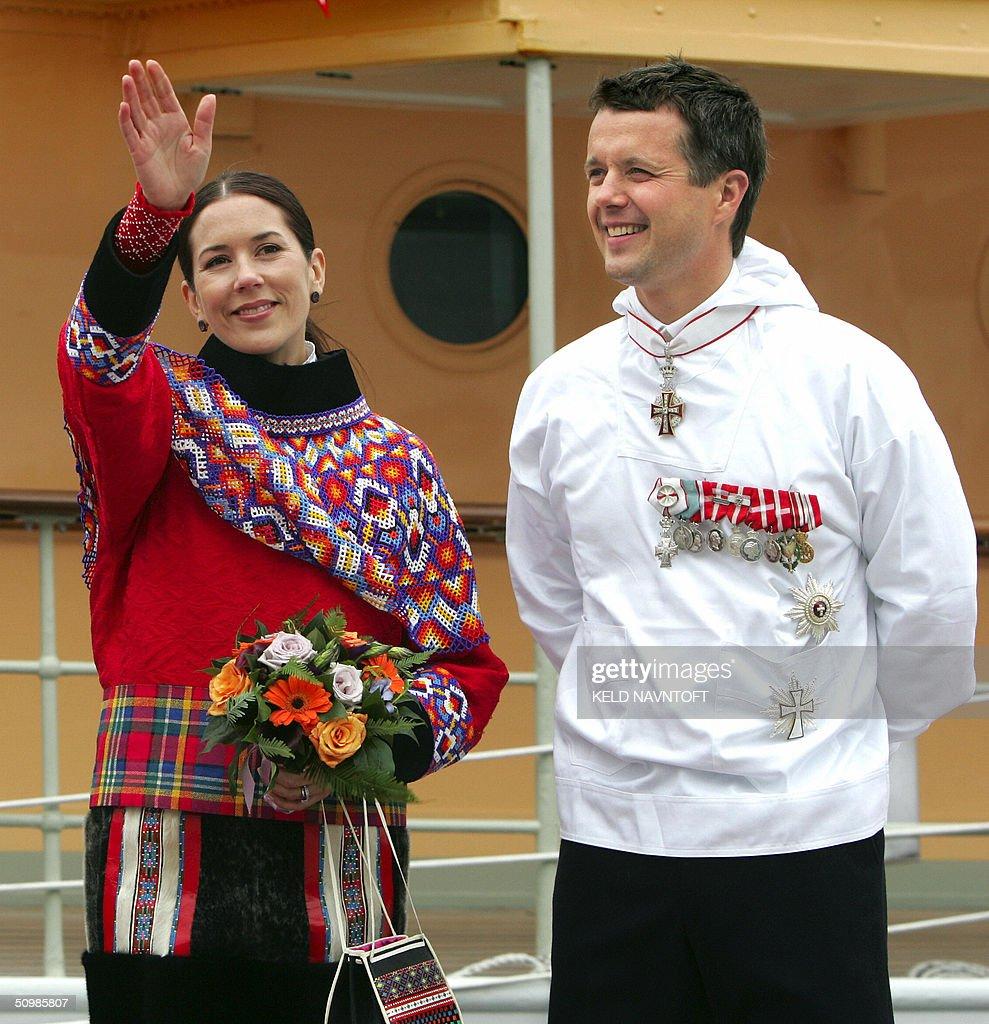 Danish Crown Prince Frederik (R) and Cro : News Photo