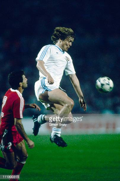 Danish footballer Soren Lerby of PSV Eindhoven in action against Benfica during the European Cup Final at Neckarstadion Stuttgart Germany 25th May...