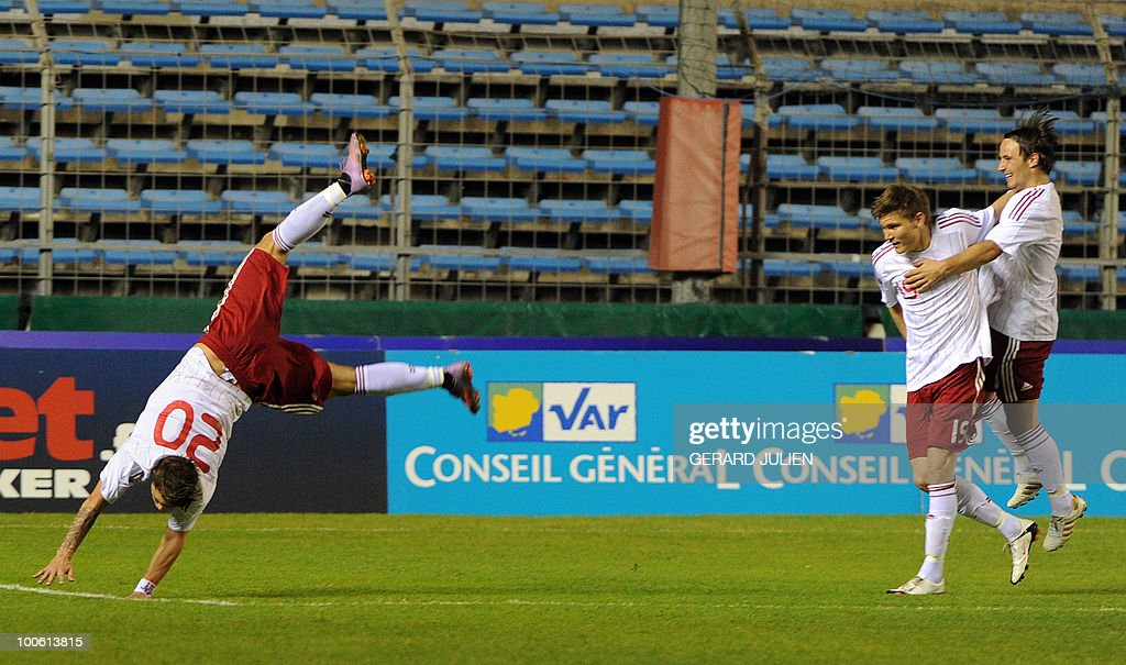Danish Nicki Bille Nielsen (L) celebrates after scoring a goal during their Under 21 International Tournament football match France versus Denmark on May 25, 2010 at the Mayol stadium in Toulon, southern France. This is the 38th edition of the event.