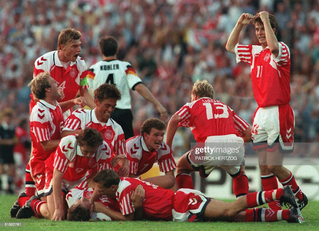 Danish players celebrate their victory after defea : News Photo