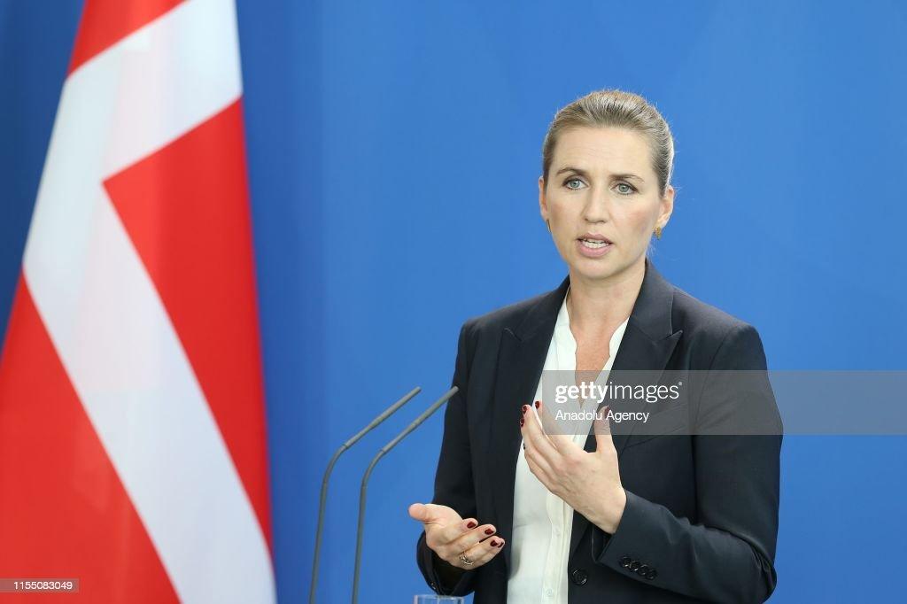 Danish Prime Minister Mette Frederiksen Meets Angela Merkel : ニュース写真
