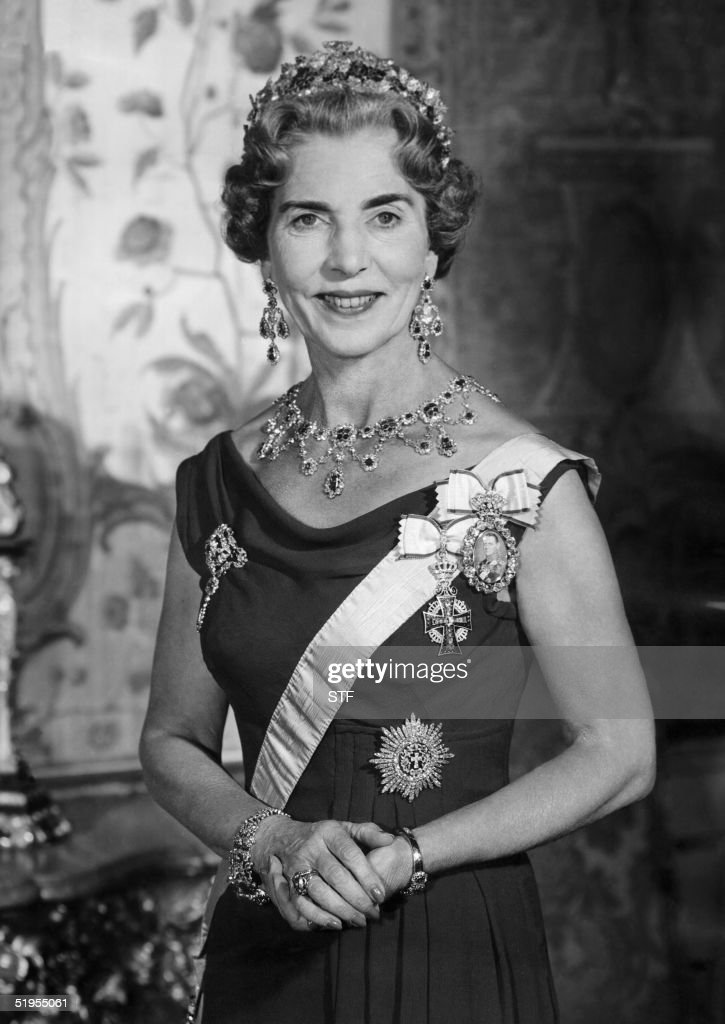Danish Queen Ingrid pictured in the 1960s in Amali : News Photo