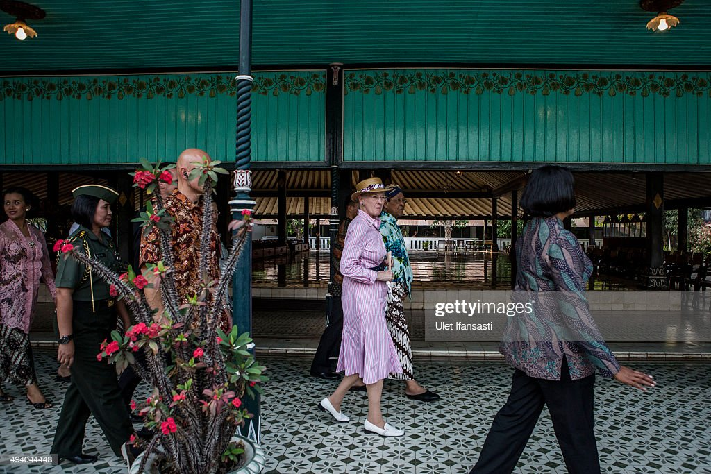 Danish Queen Margrethe II (C) meets with Sri Sultan Hamengkubuwono X during her visit at Kraton Yogyakarta Palace on October 24, 2015 in Yogyakarta, Indonesia. Queen Margrethe II of Denmark and her husband, Prince Henrik, embarked upon a state visit to Indonesia to mark 65 years of diplomatic relations.