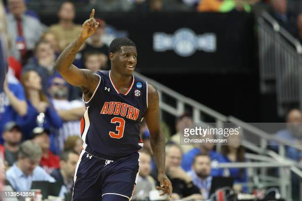 Danjel Purifoy of the Auburn Tigers reacts to a play against the Kentucky Wildcats during the 2019 NCAA Basketball Tournament Midwest Regional at...