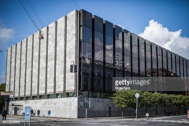 danmarks nationalbank - dänischen zentralbank, kopenhagen, dänemark - dänemark stock-fotos und bilder