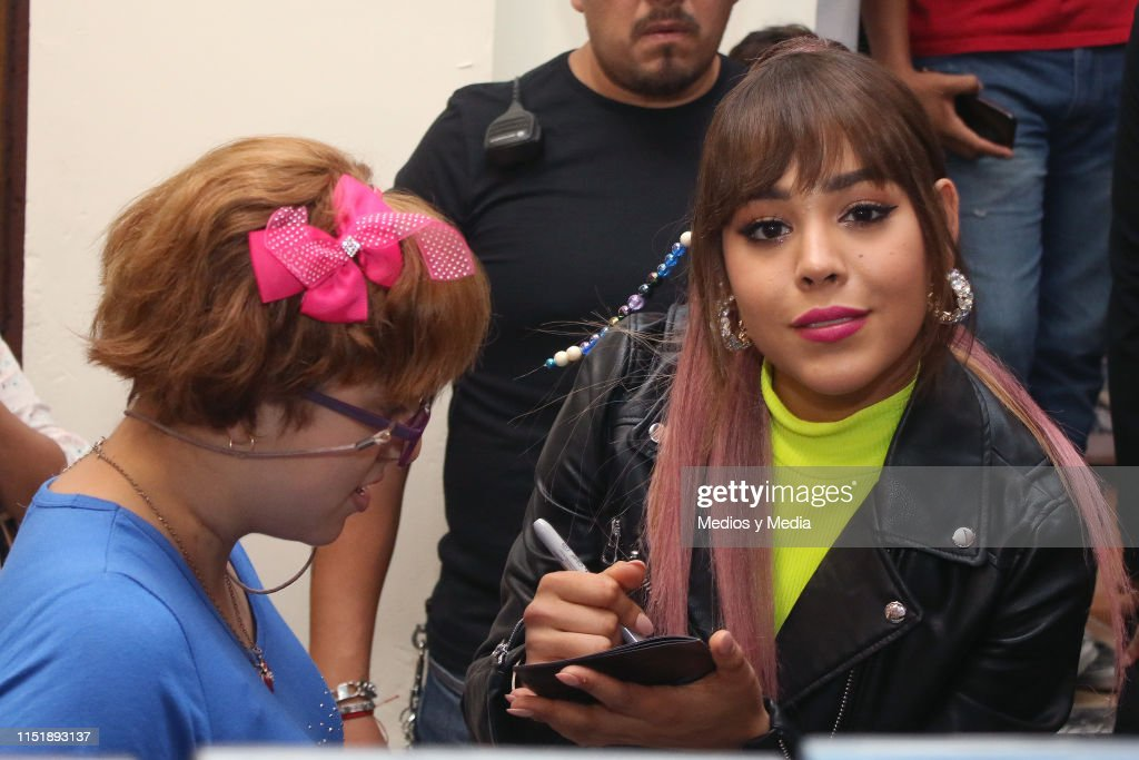 MEX: Danna Paola Signs Autographs in Mexico City