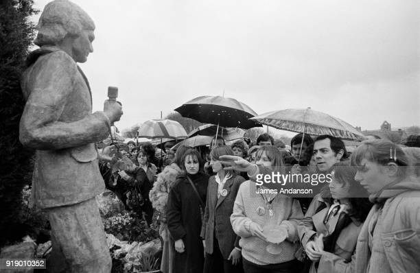 Dannemois One year after the death of Claude François the president of his fan club unveils the statue of the singer for which she raised funds 11th...