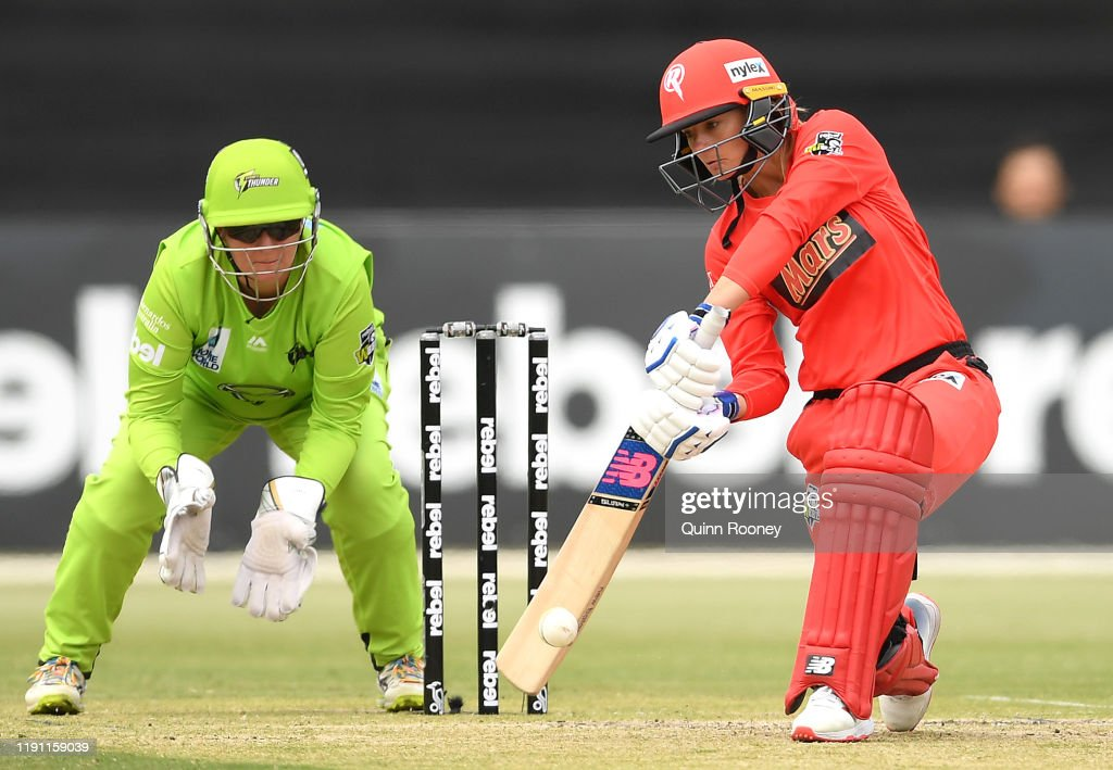 WBBL - Melbourne Renegades v Sydney Thunder : News Photo