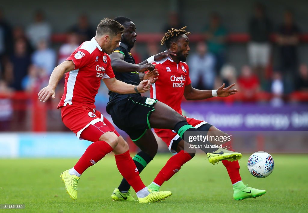 Crawley Town v Yeovil Town - Sky Bet League Two : News Photo