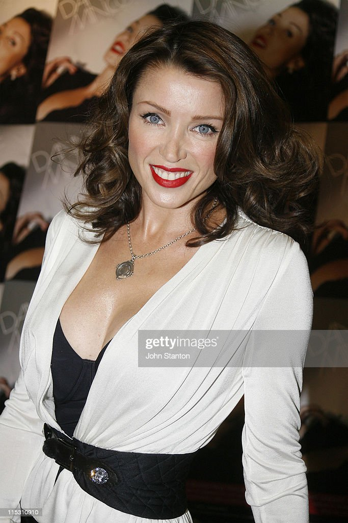 Dannii Minogue Signs Her New Album at Hum Records in Sydney - August 12, 2006