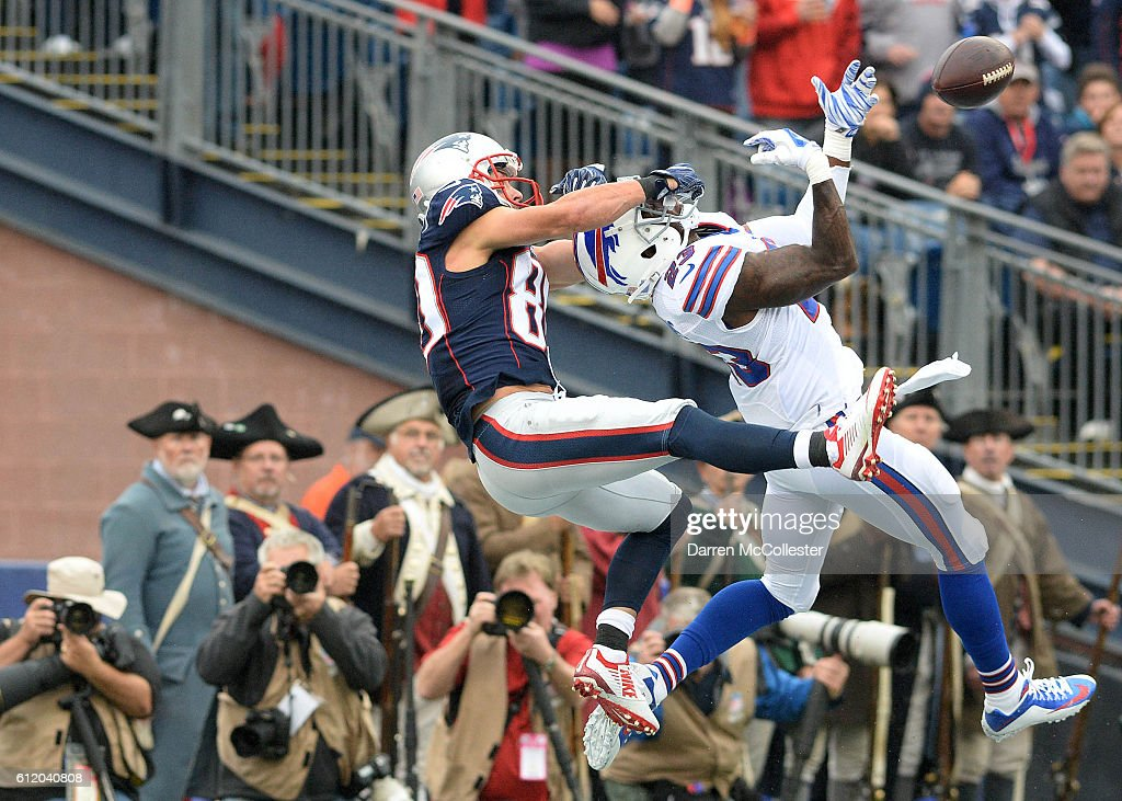 Danny Amendola #80 of the New England Patriots attempts to make the catch in the third quarter against Aaron Williams #23 of the Buffalo Bills at Gillette Stadium on October 2, 2016 in Foxboro, Massachusetts.