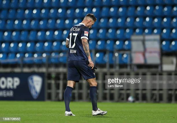 Danny Blum of VfL Bochum 1848 leaves the field of play after being shown a red card during the Second Bundesliga match between VfL Bochum 1848 and...