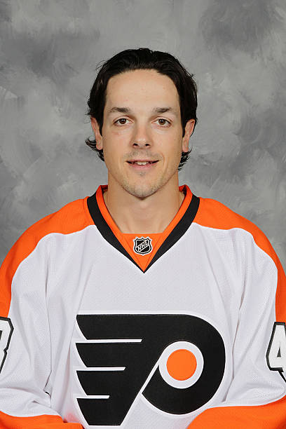 Danny Briere  48 of the Philadelphia Flyers poses for his official headshot  for the 2010 0077495f2