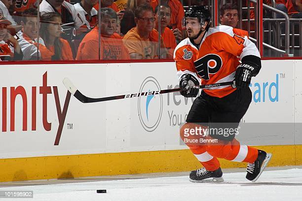 Danny Briere of the Philadelphia Flyers skates to the puck against the  Chicago Blackhawks in Game 3a59a40ef