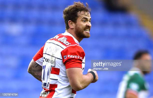 Danny Cipriani of Gloucester shouts to his team mates during the Gallagher Premiership Rugby match between London Irish and Gloucester Rugby at on...