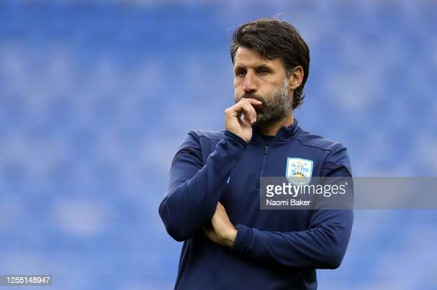 Danny Cowley Manager of Huddersfield Town looks on during the Sky Bet Championship match between Reading and Huddersfield Town at Madejski Stadium on...