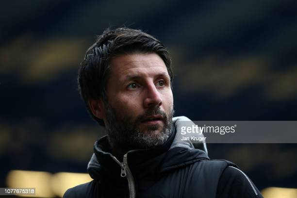 Danny Cowley Manager of Lincoln City looks on prior to the FA Cup Third Round match between Everton and Lincoln City at Goodison Park on January 5...