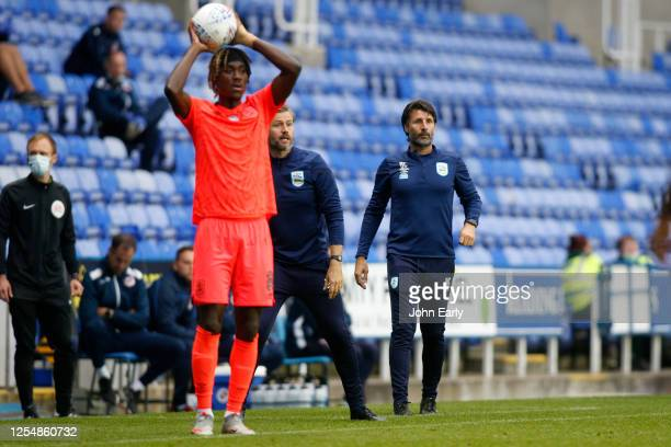 Danny Cowley the Manager of Huddersfield Town and Trevoh Chalobah of Huddersfield Town during the Sky Bet Championship match between Reading and...