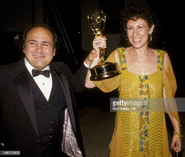 Danny DeVito and Rhea Perlman attend 36th Annual Primetime Emmy Awards on September 23 1984 at the Pasadena Civic Auditorium in Pasadena California