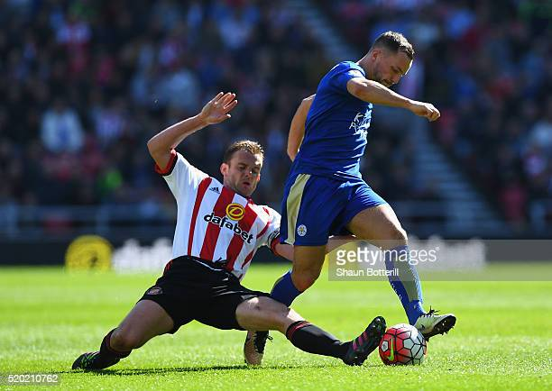 Danny Drinkwater of Leicester City evades Lee Cattermole of Sunderland during the Barclays Premier League match between Sunderland and Leicester City...