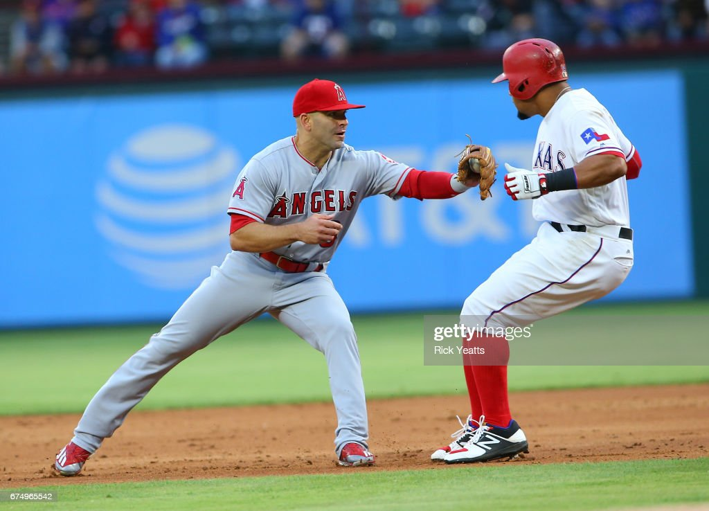 Los Angeles Angels of Anaheim v Texas Rangers : Foto jornalística