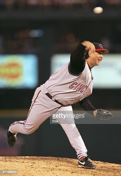 Danny Graves of the Cincinnati Reds delivers a pitch in the ninth inning against the St Louis Cardinals on August 18 2004 at Busch Stadium in St...