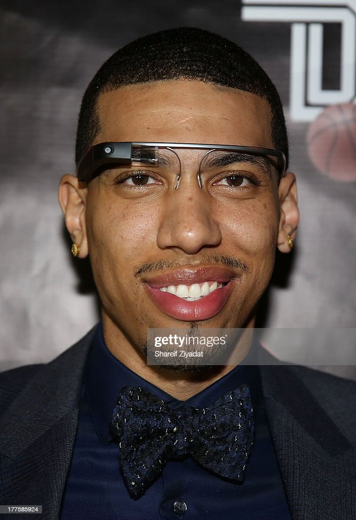 Photos et images de danny green meet and greet getty images danny green attends danny greens meet and greet at evr nyc on august 23 2013 m4hsunfo