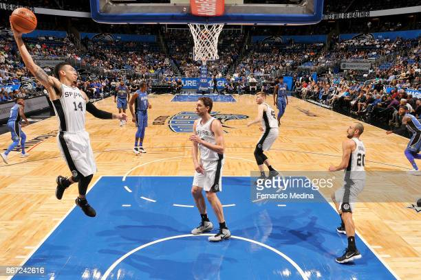 Danny Green of the San Antonio Spurs drives to the basket against the Orlando Magic on October 27 2017 at Amway Center in Orlando Florida NOTE TO...